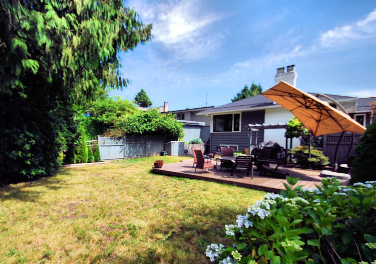Detached at 3404 EDGEMONT BOULEVARD, North Vancouver, British Columbia. Image 3