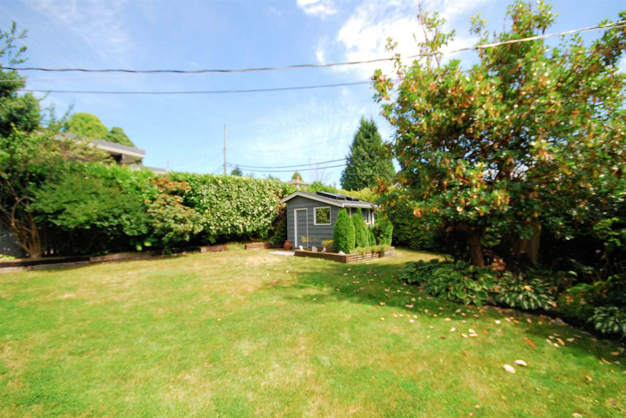 Detached at 3404 EDGEMONT BOULEVARD, North Vancouver, British Columbia. Image 5