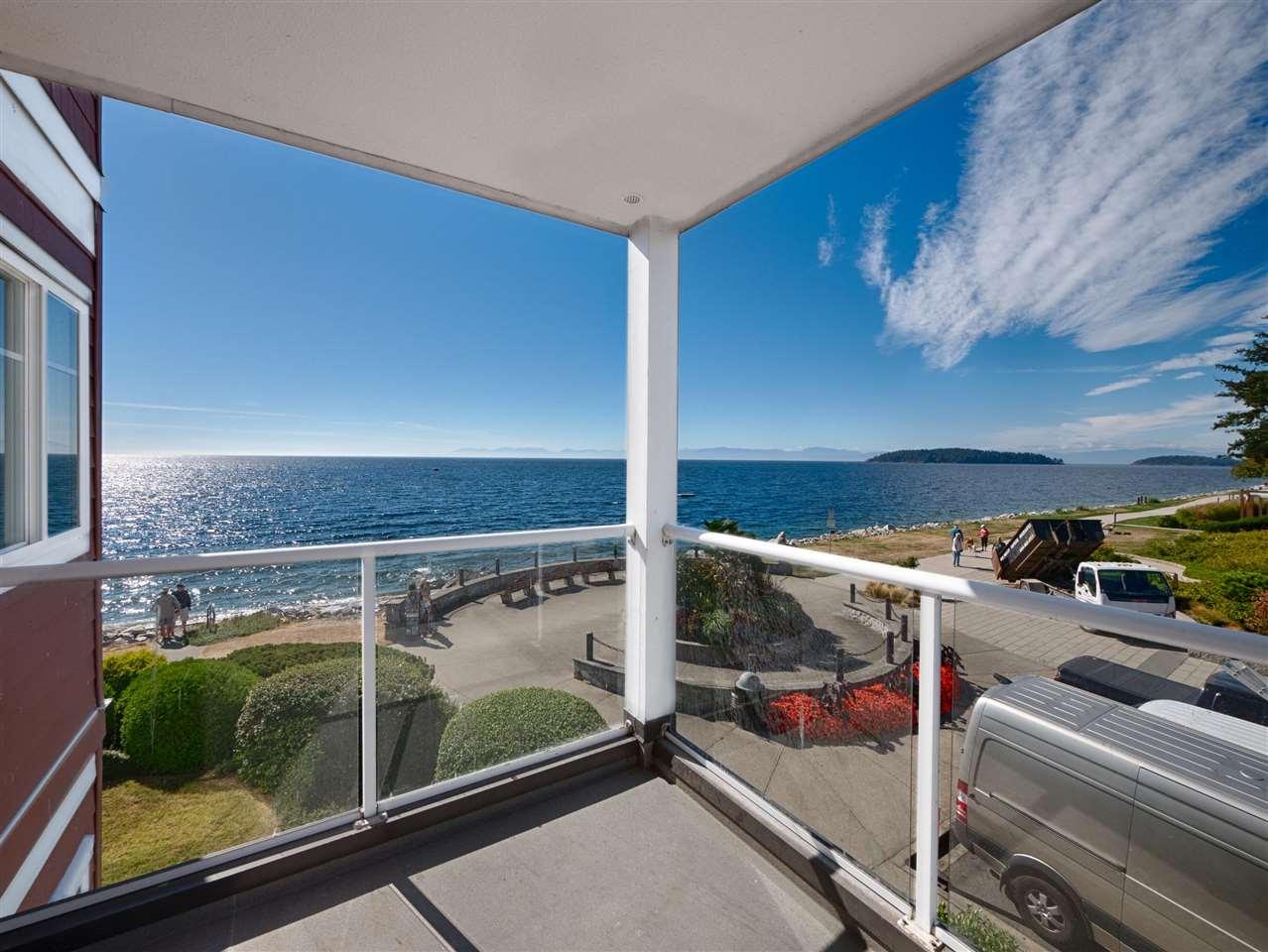 Condo Apartment at 208 5470 INLET AVENUE, Unit 208, Sunshine Coast, British Columbia. Image 1