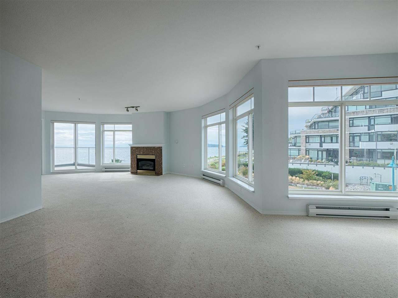 Condo Apartment at 208 5470 INLET AVENUE, Unit 208, Sunshine Coast, British Columbia. Image 5