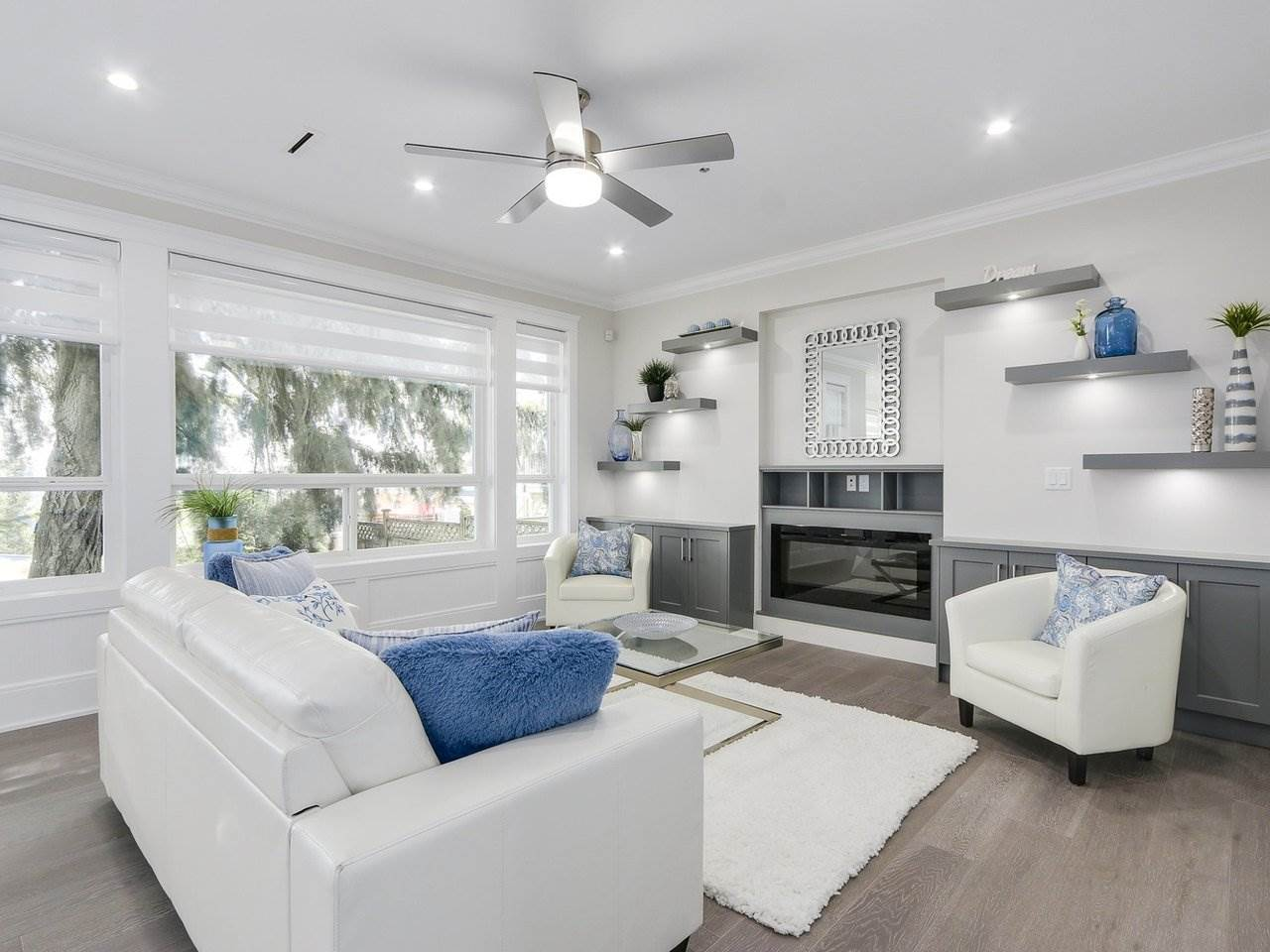 Detached at 332 ELEVENTH STREET, New Westminster, British Columbia. Image 3
