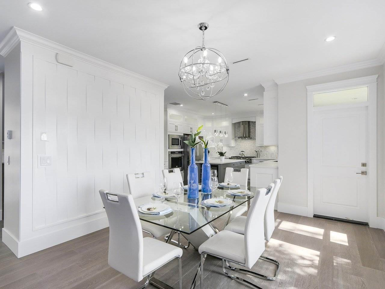 Detached at 332 ELEVENTH STREET, New Westminster, British Columbia. Image 5