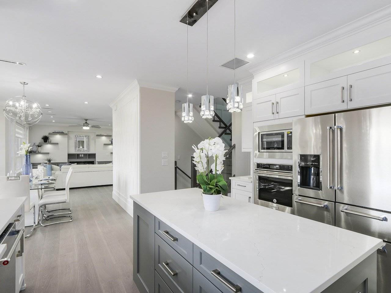 Detached at 332 ELEVENTH STREET, New Westminster, British Columbia. Image 9