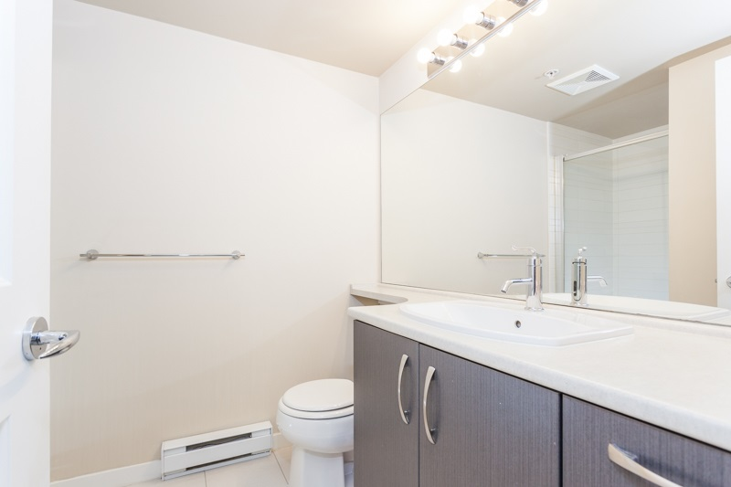 Condo Apartment at 123 9288 ODLIN ROAD, Unit 123, Richmond, British Columbia. Image 7