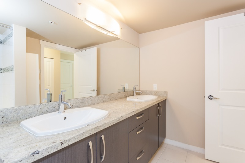 Condo Apartment at 123 9288 ODLIN ROAD, Unit 123, Richmond, British Columbia. Image 10