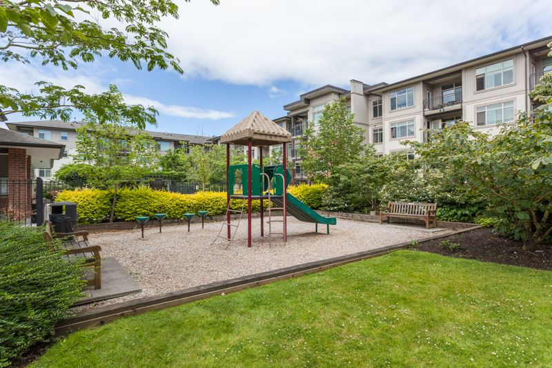 Condo Apartment at 123 9288 ODLIN ROAD, Unit 123, Richmond, British Columbia. Image 15