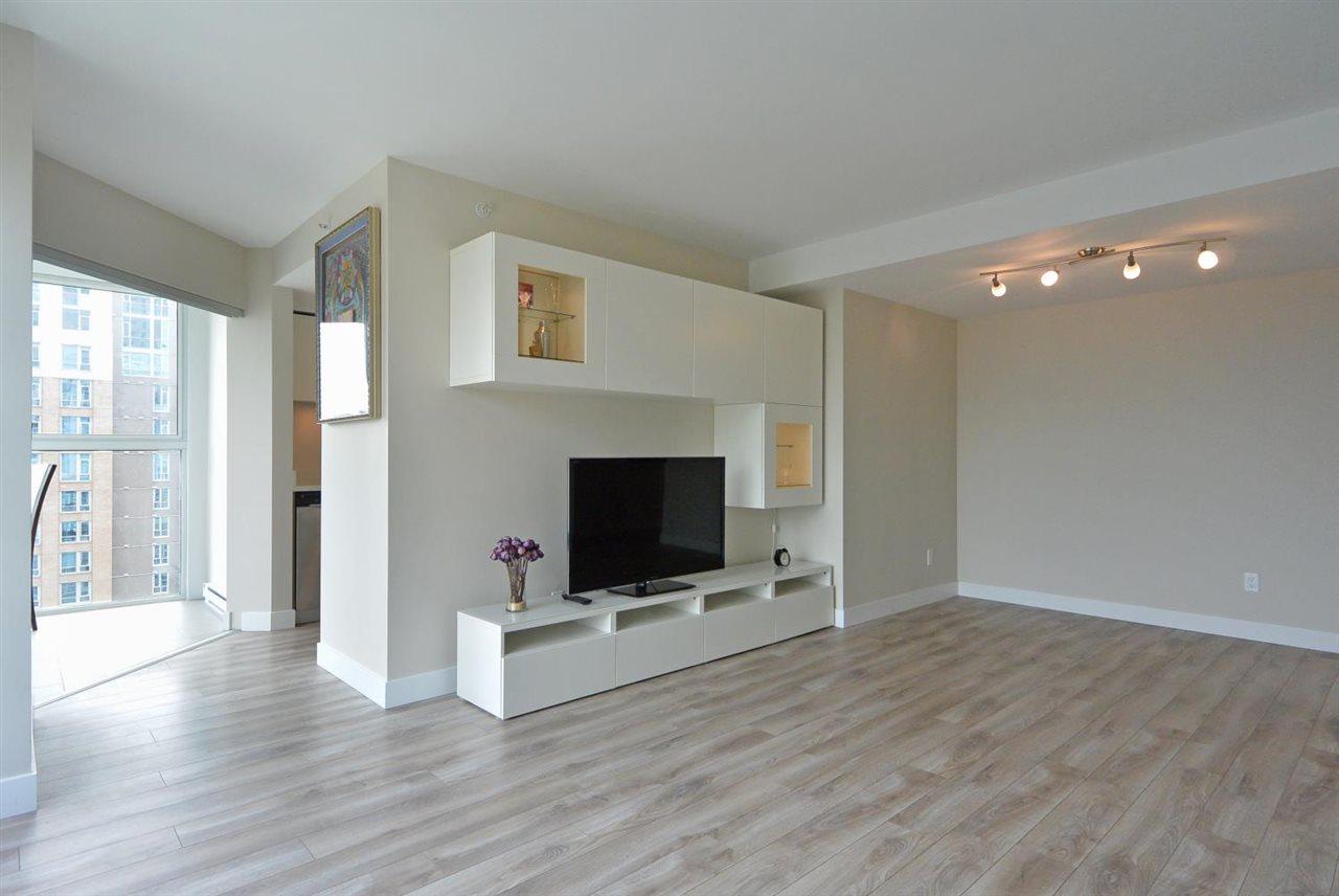 Condo Apartment at 2402 1323 HOMER STREET, Unit 2402, Vancouver West, British Columbia. Image 6