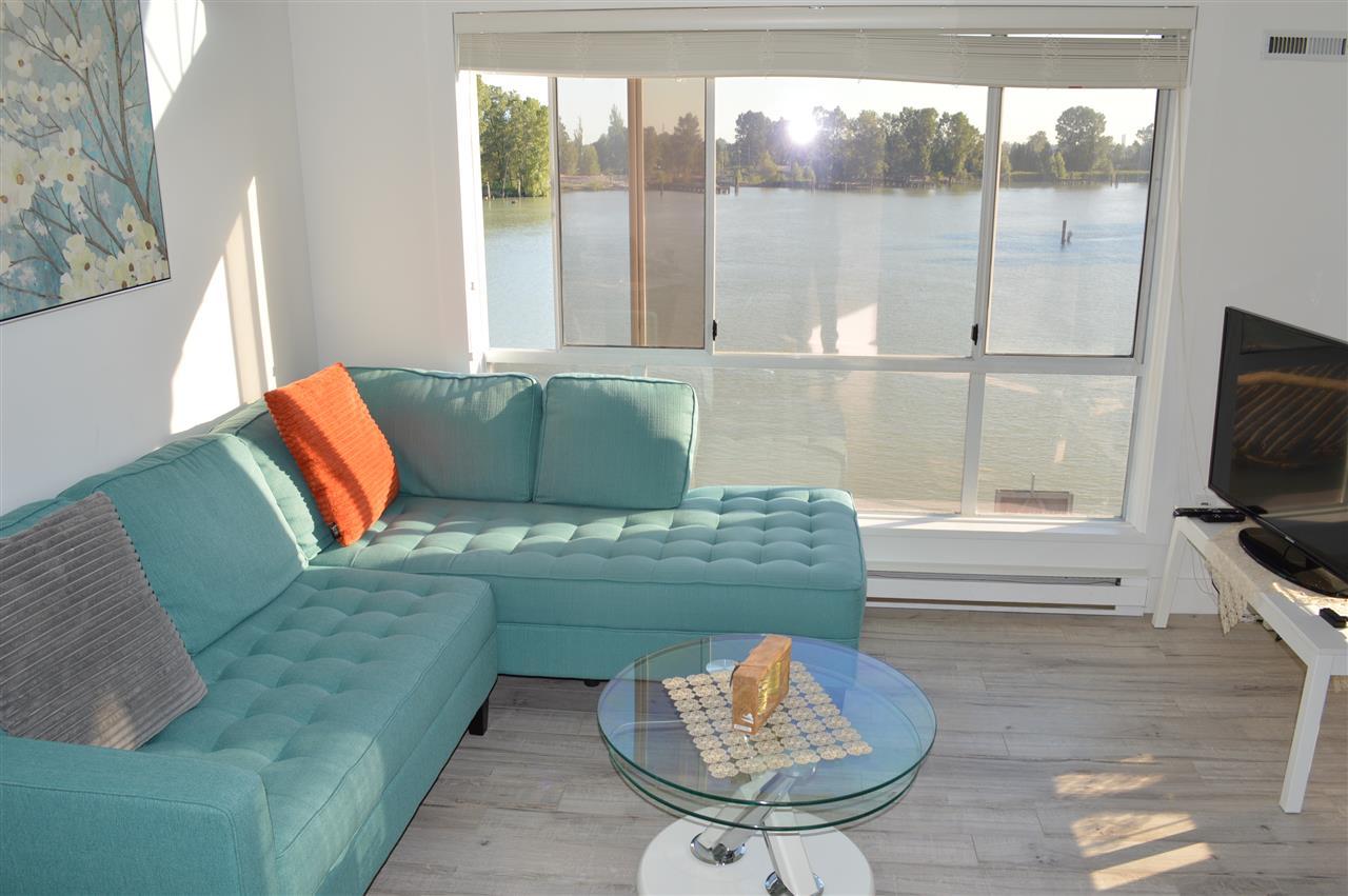 Condo Apartment at 411 6 RENAISSANCE SQUARE, Unit 411, New Westminster, British Columbia. Image 2