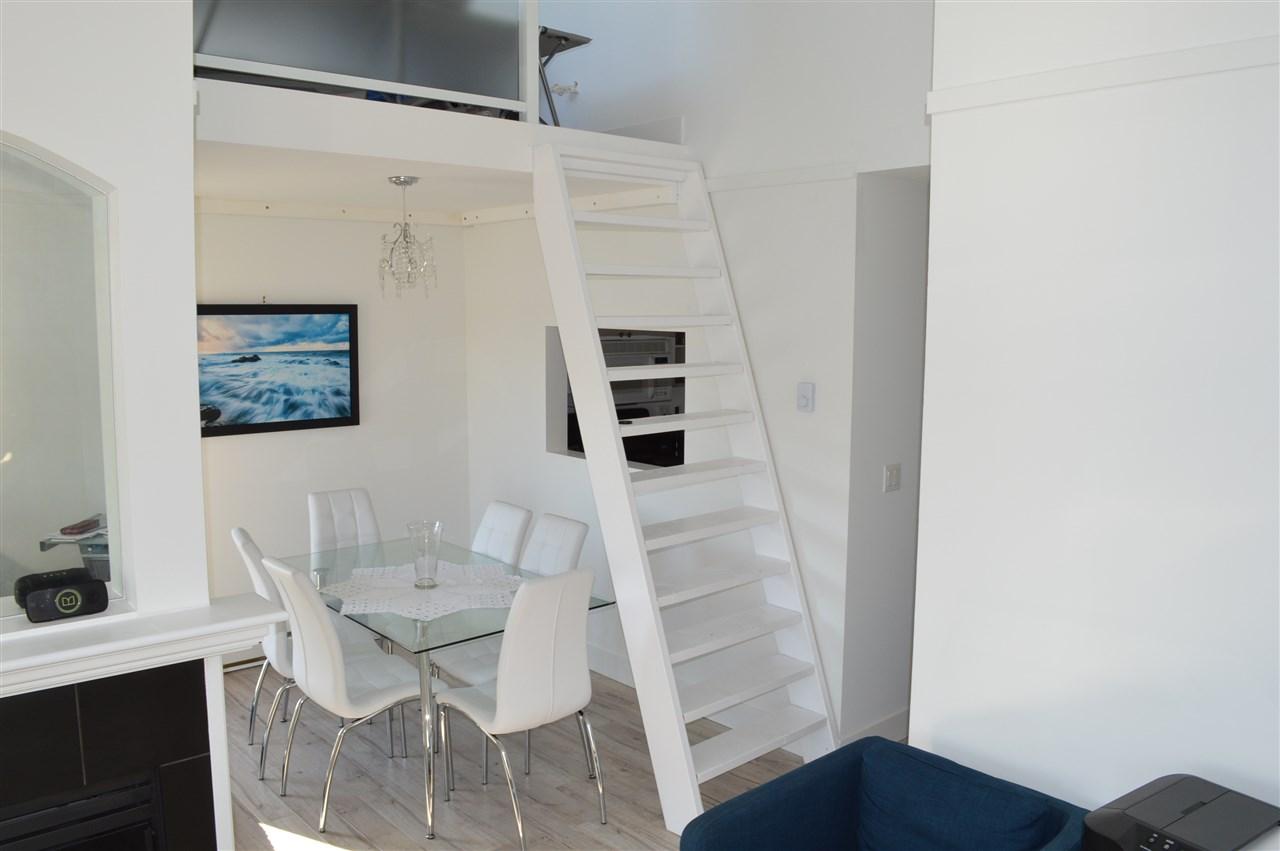 Condo Apartment at 411 6 RENAISSANCE SQUARE, Unit 411, New Westminster, British Columbia. Image 4