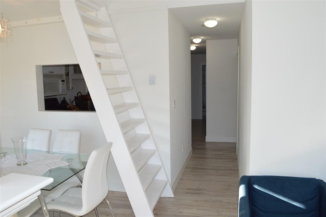 Condo Apartment at 411 6 RENAISSANCE SQUARE, Unit 411, New Westminster, British Columbia. Image 5