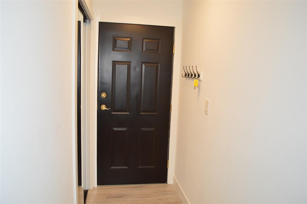 Condo Apartment at 411 6 RENAISSANCE SQUARE, Unit 411, New Westminster, British Columbia. Image 18