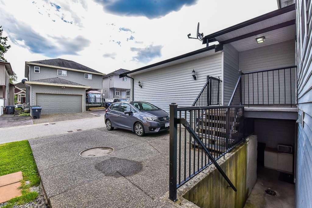 Detached at 14776 72 AVENUE, Surrey, British Columbia. Image 20
