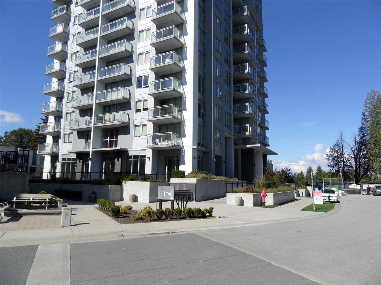 Condo Apartment at 3803 13325 102A AVENUE, Unit 3803, North Surrey, British Columbia. Image 1