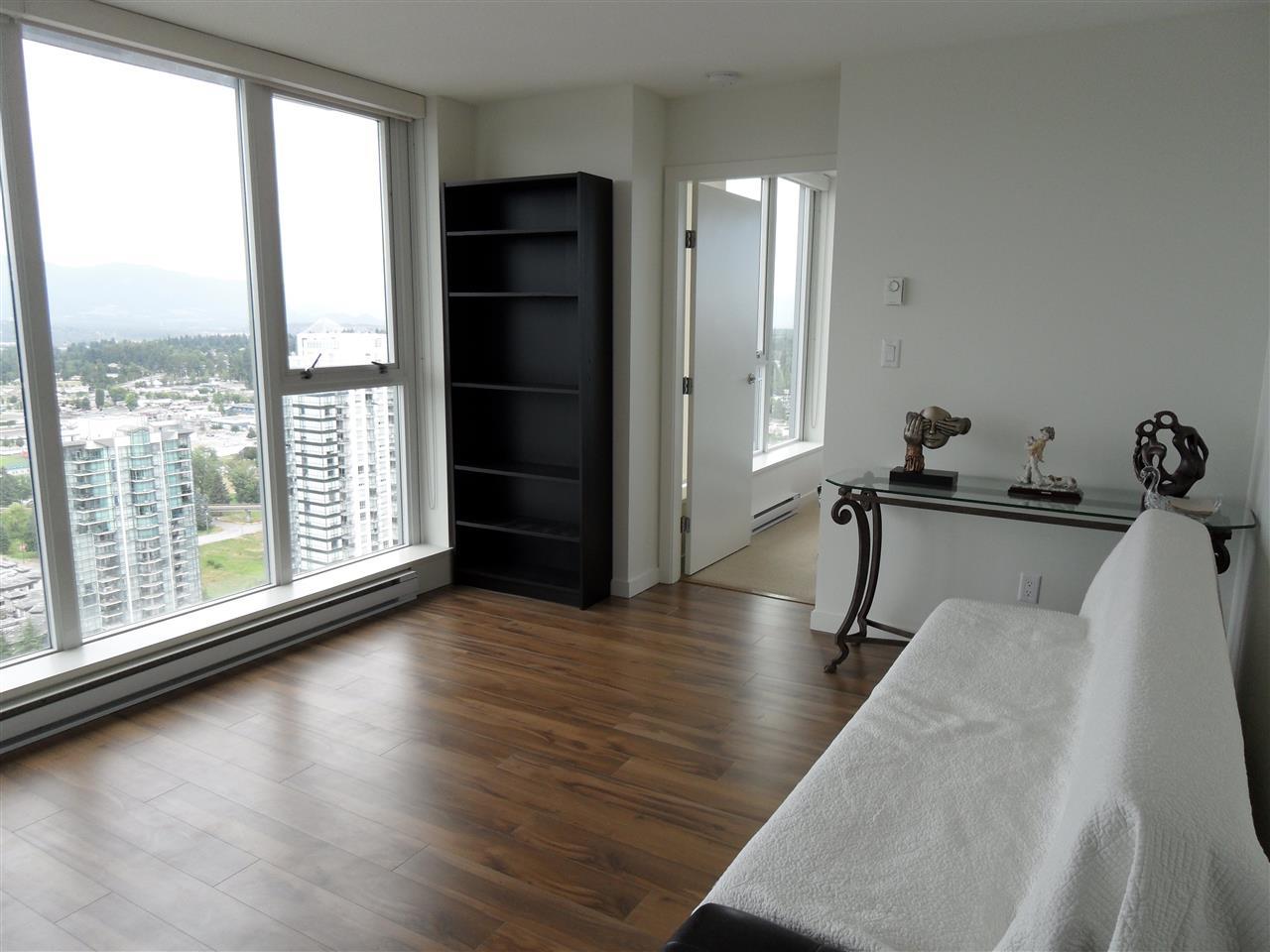 Condo Apartment at 3803 13325 102A AVENUE, Unit 3803, North Surrey, British Columbia. Image 4