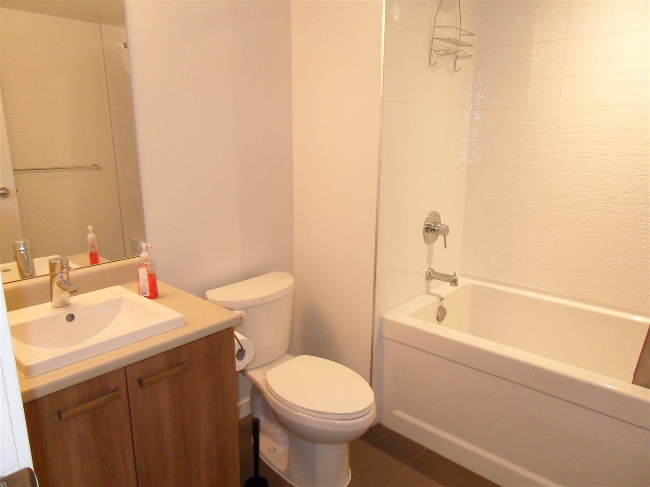 Condo Apartment at 3803 13325 102A AVENUE, Unit 3803, North Surrey, British Columbia. Image 10