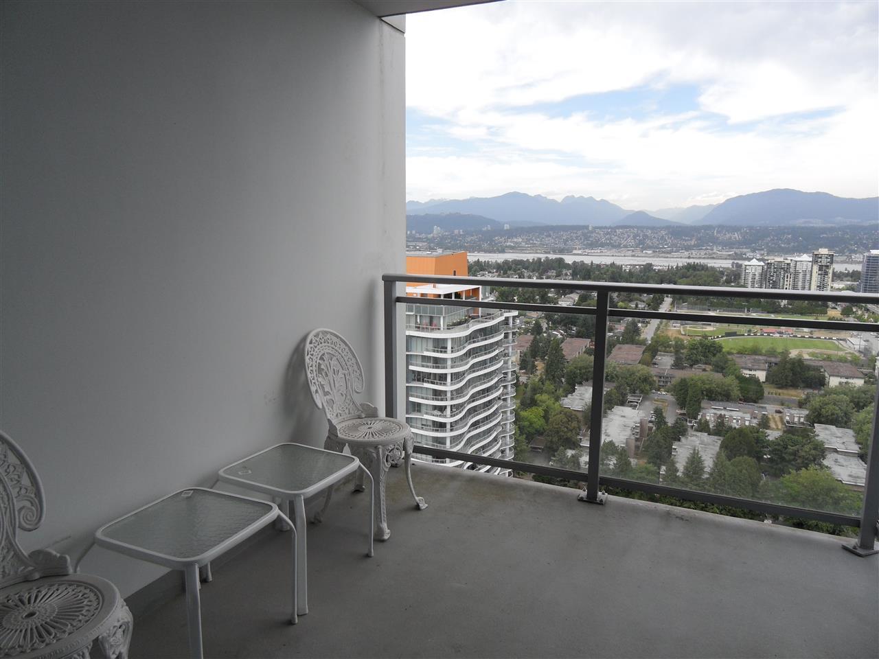 Condo Apartment at 3803 13325 102A AVENUE, Unit 3803, North Surrey, British Columbia. Image 11