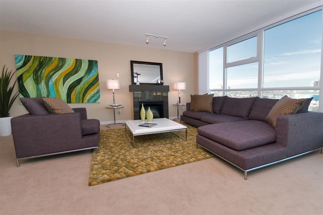 Condo Apartment at 1106 125 MILROSS AVENUE, Unit 1106, Vancouver East, British Columbia. Image 3