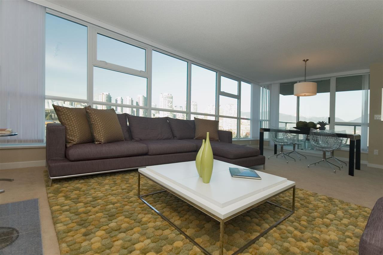 Condo Apartment at 1106 125 MILROSS AVENUE, Unit 1106, Vancouver East, British Columbia. Image 4