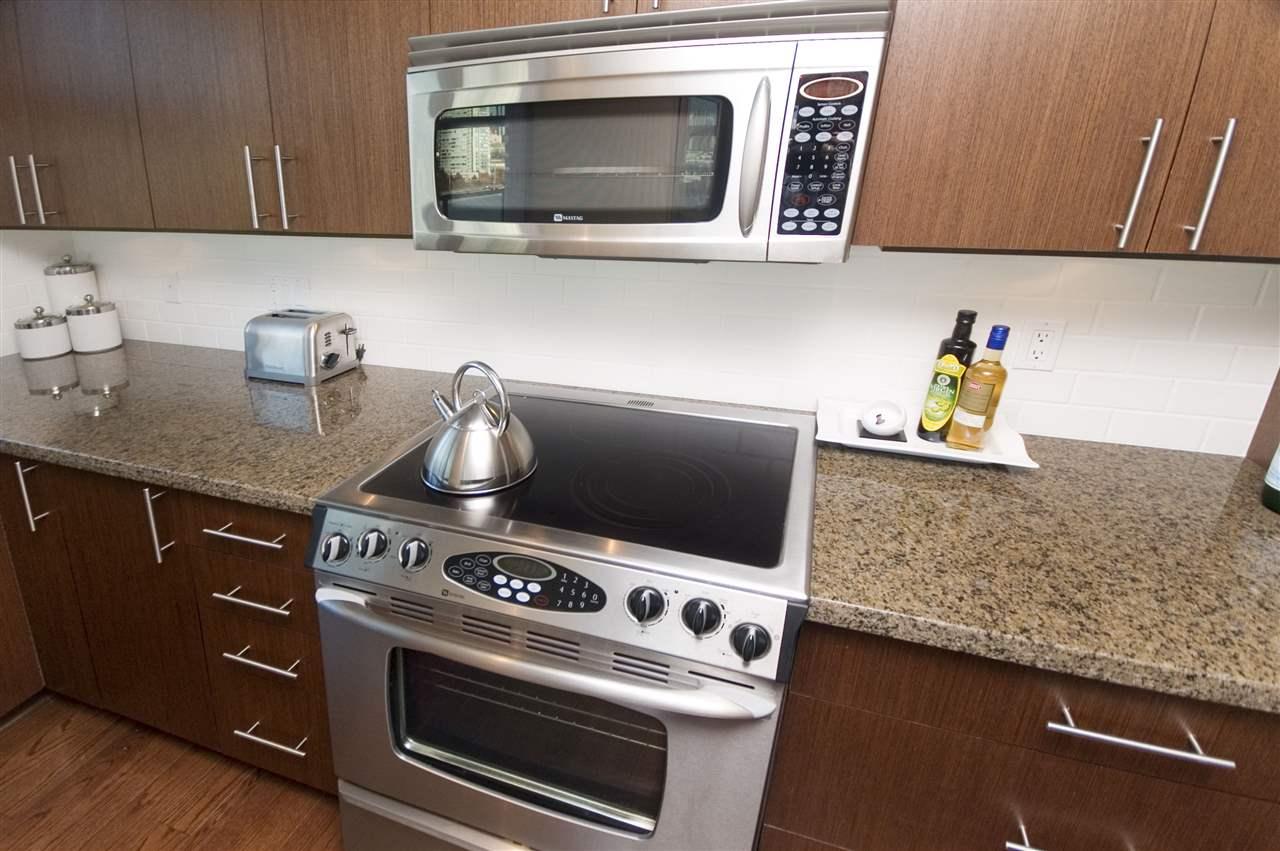 Condo Apartment at 1106 125 MILROSS AVENUE, Unit 1106, Vancouver East, British Columbia. Image 12