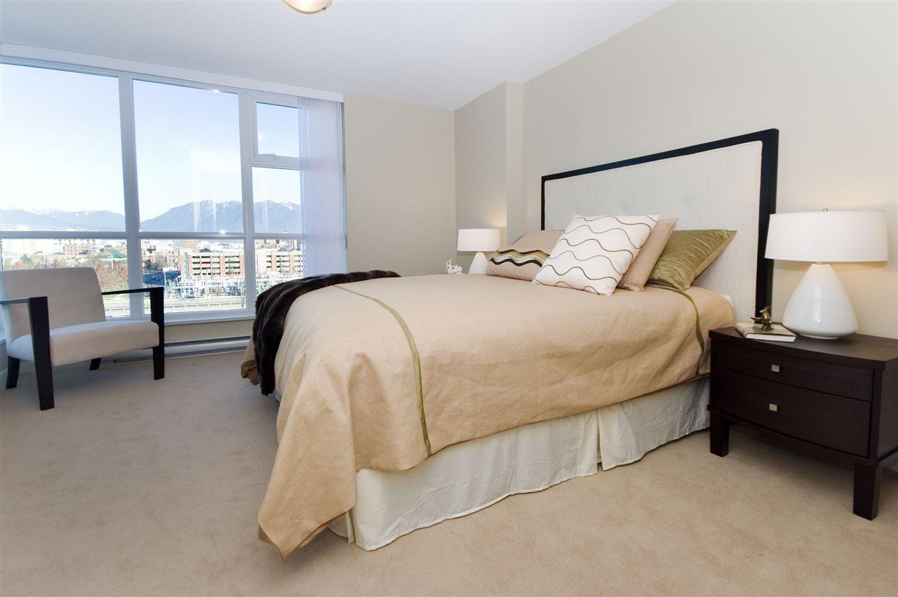 Condo Apartment at 1106 125 MILROSS AVENUE, Unit 1106, Vancouver East, British Columbia. Image 13