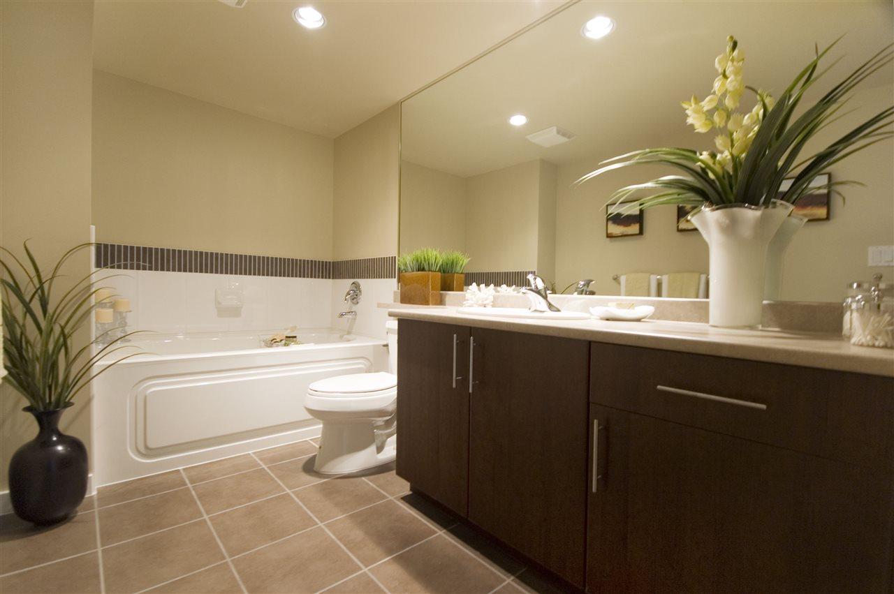 Condo Apartment at 1106 125 MILROSS AVENUE, Unit 1106, Vancouver East, British Columbia. Image 15