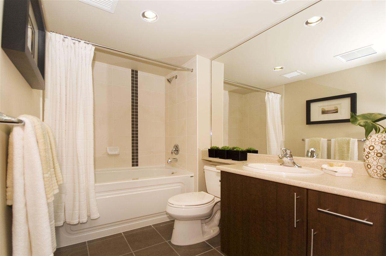 Condo Apartment at 1106 125 MILROSS AVENUE, Unit 1106, Vancouver East, British Columbia. Image 17