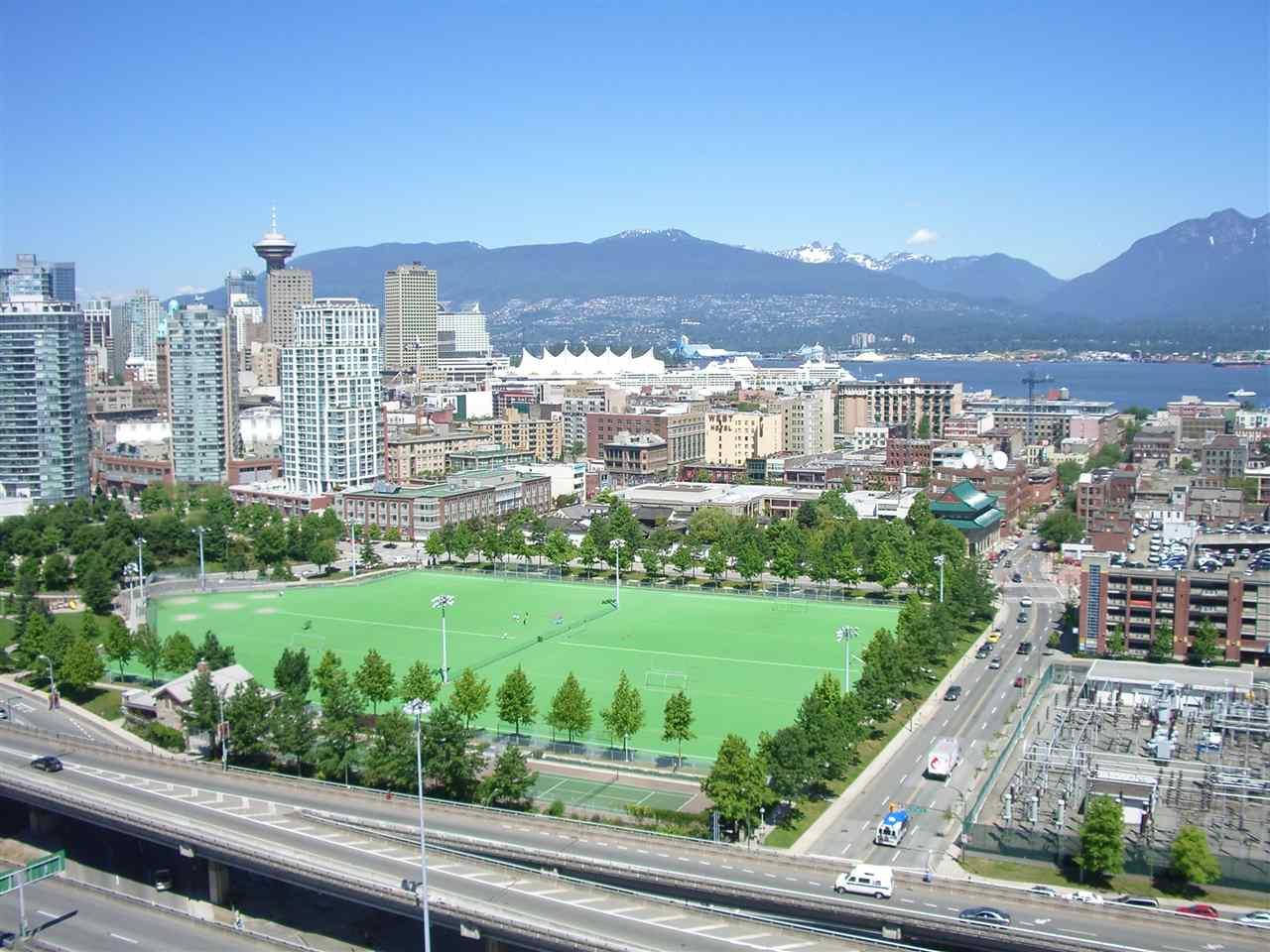 Condo Apartment at 1106 125 MILROSS AVENUE, Unit 1106, Vancouver East, British Columbia. Image 20