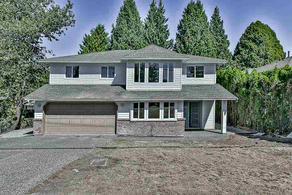 Detached at 2022 154 STREET, South Surrey White Rock, British Columbia. Image 1