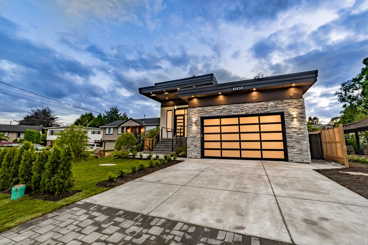 Detached at 15832 PROSPECT CRESCENT, South Surrey White Rock, British Columbia. Image 1