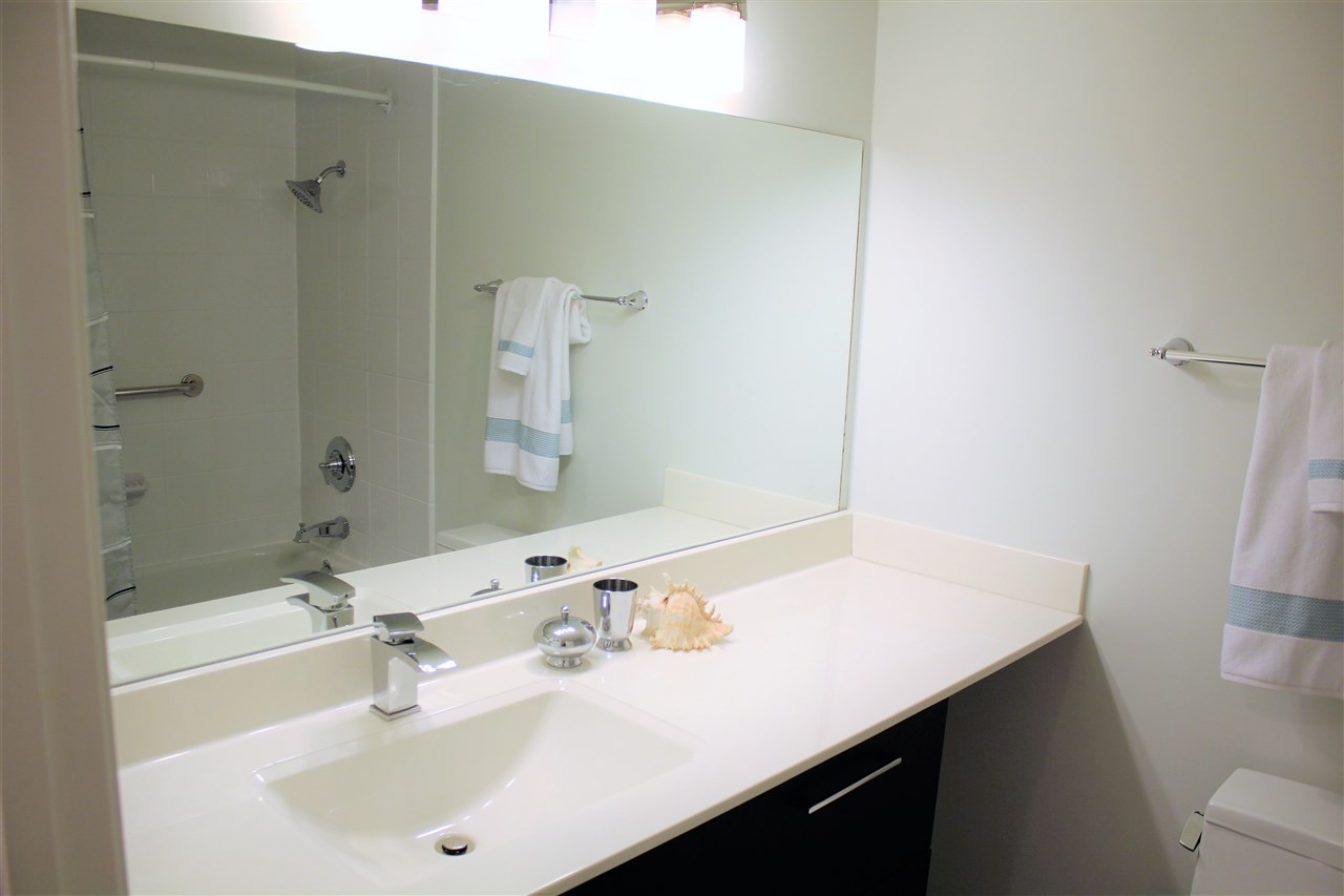 Condo Apartment at 104 15313 19TH AVENUE, Unit 104, South Surrey White Rock, British Columbia. Image 8