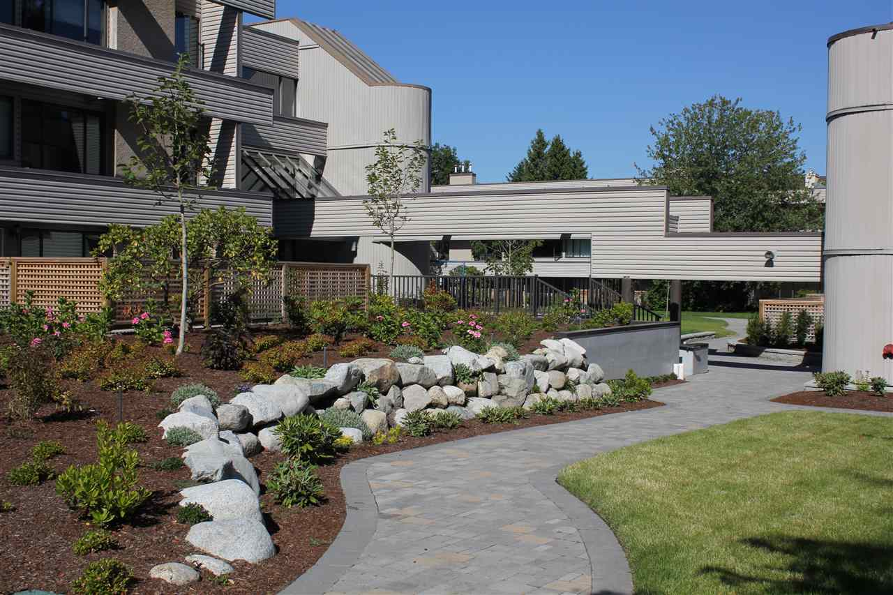 Condo Apartment at 104 15313 19TH AVENUE, Unit 104, South Surrey White Rock, British Columbia. Image 10