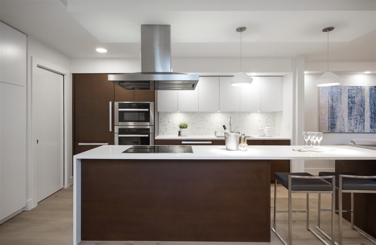 Condo Apartment at 802 1480 DUCHESS AVENUE, Unit 802, West Vancouver, British Columbia. Image 6