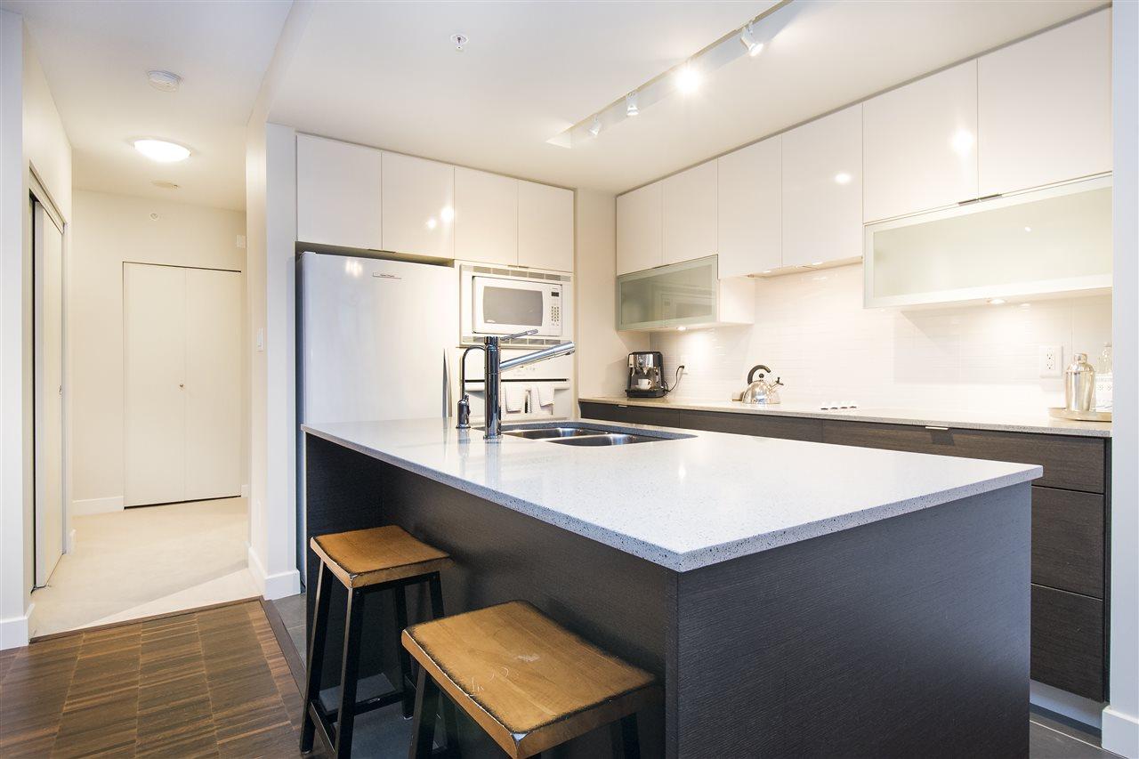 Condo Apartment at 802 175 W 2ND STREET, Unit 802, North Vancouver, British Columbia. Image 3