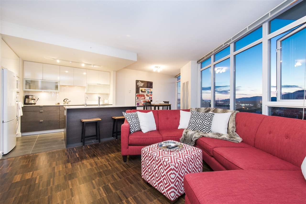 Condo Apartment at 802 175 W 2ND STREET, Unit 802, North Vancouver, British Columbia. Image 5