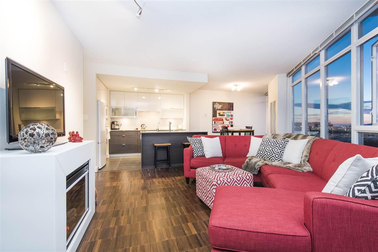Condo Apartment at 802 175 W 2ND STREET, Unit 802, North Vancouver, British Columbia. Image 6