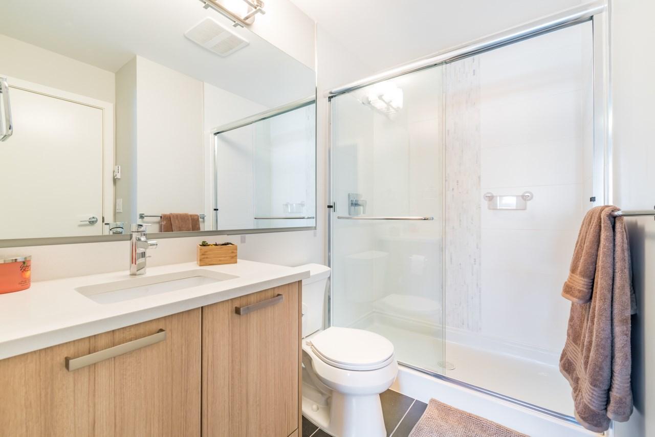 Condo Apartment at 308 10477 154 STREET, Unit 308, North Surrey, British Columbia. Image 2