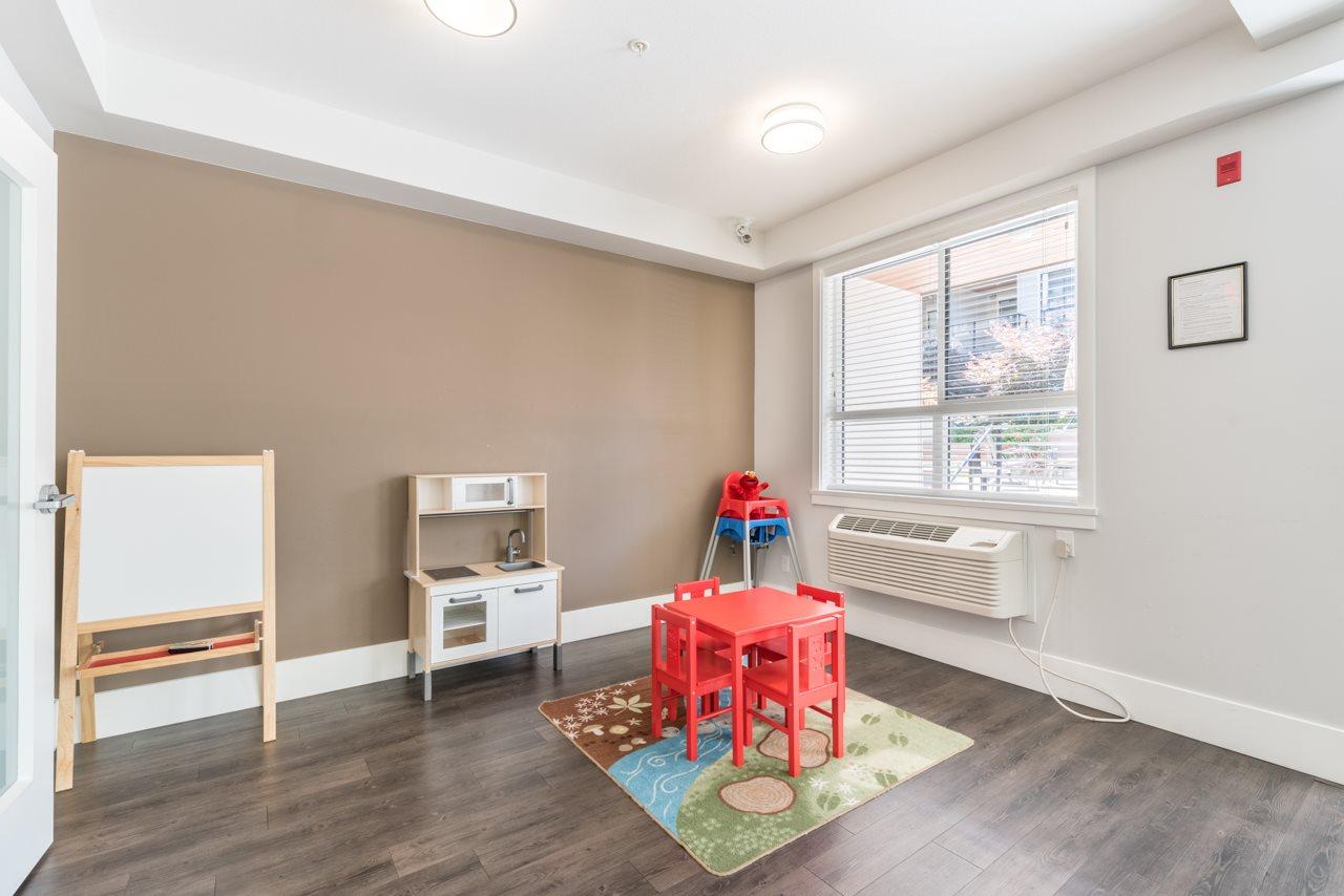 Condo Apartment at 308 10477 154 STREET, Unit 308, North Surrey, British Columbia. Image 14