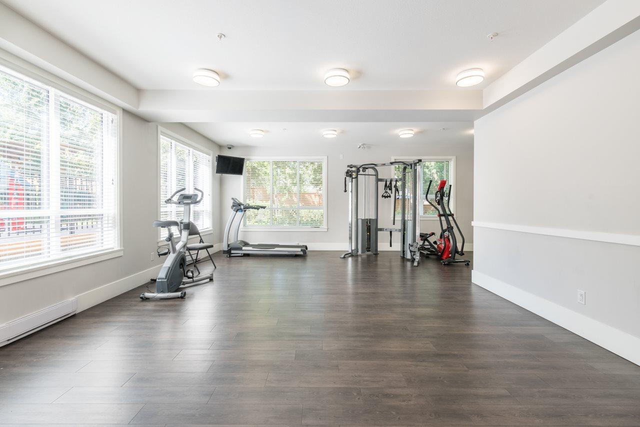 Condo Apartment at 308 10477 154 STREET, Unit 308, North Surrey, British Columbia. Image 15