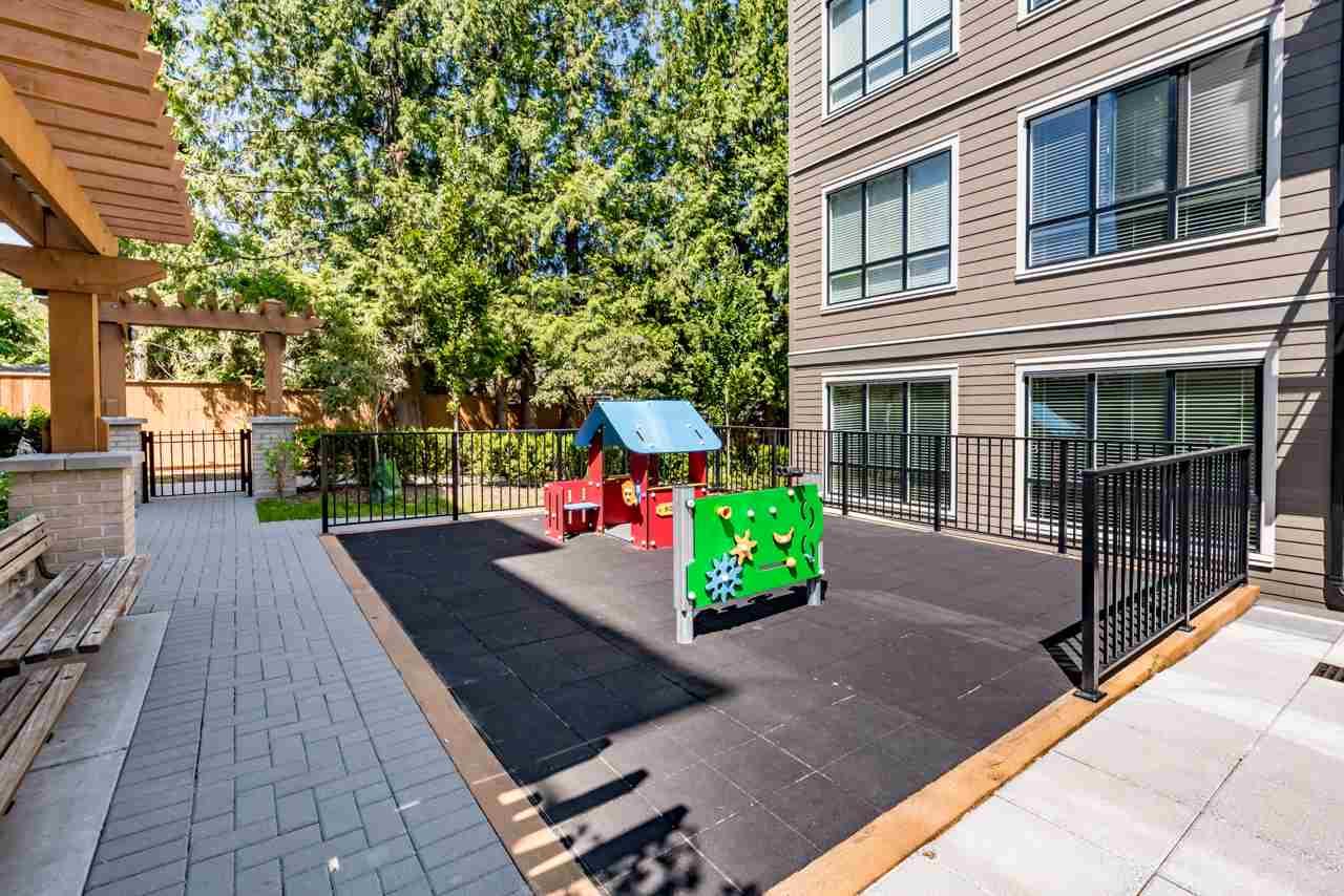 Condo Apartment at 308 10477 154 STREET, Unit 308, North Surrey, British Columbia. Image 17