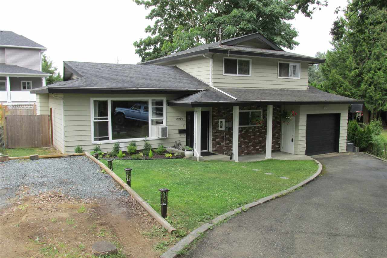 Detached at 2329 IMPERIAL STREET, Abbotsford, British Columbia. Image 1