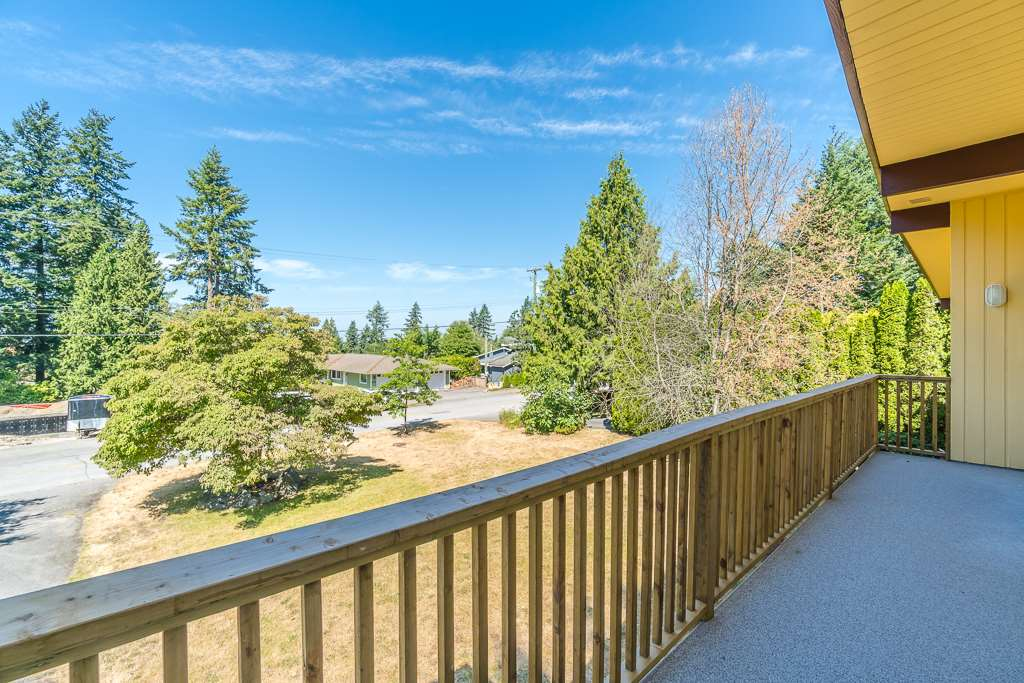 Detached at 6632 KNIGHT DRIVE, N. Delta, British Columbia. Image 14
