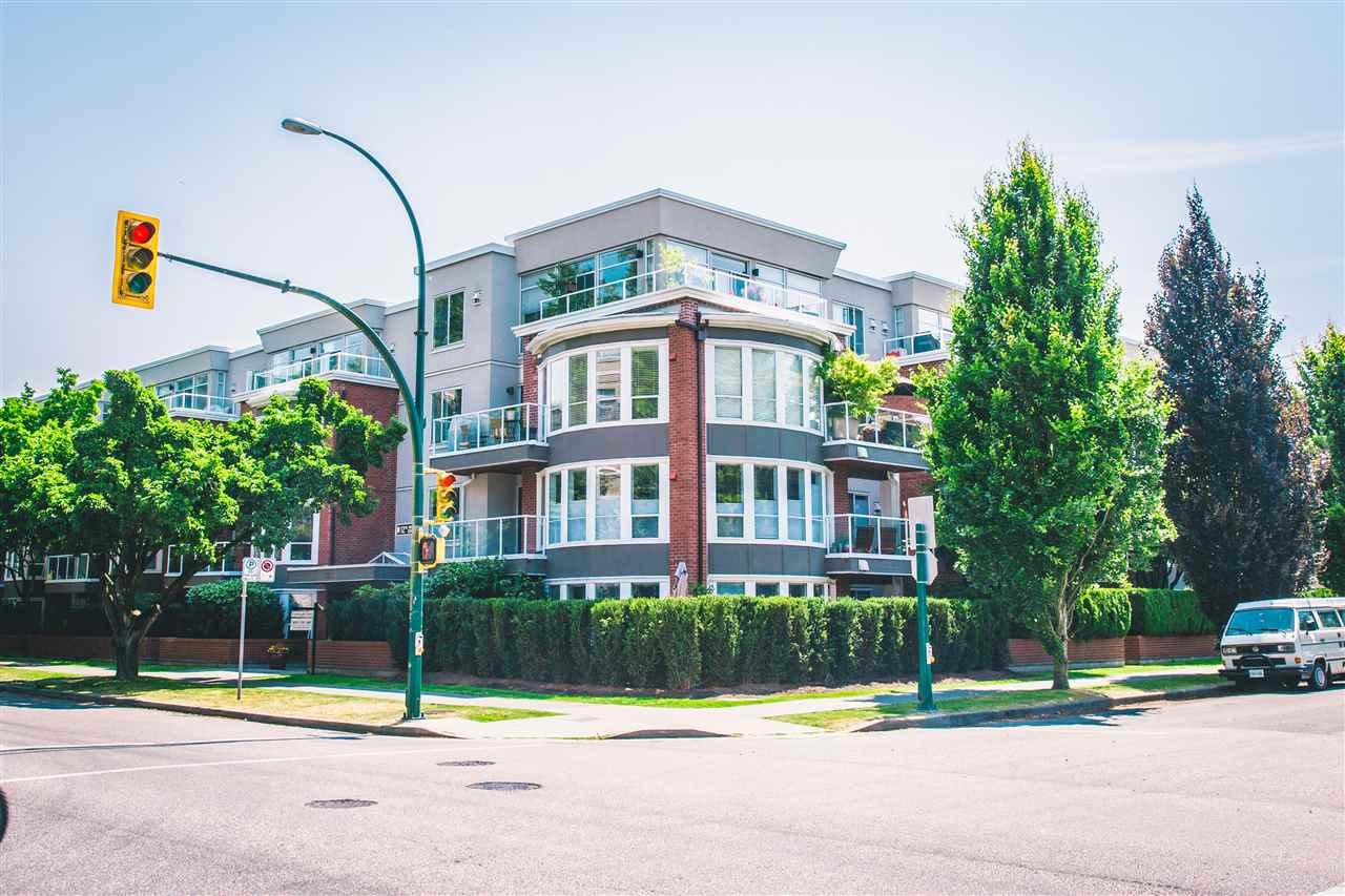 Condo Apartment at 207 2288 W 12TH AVENUE, Unit 207, Vancouver West, British Columbia. Image 1