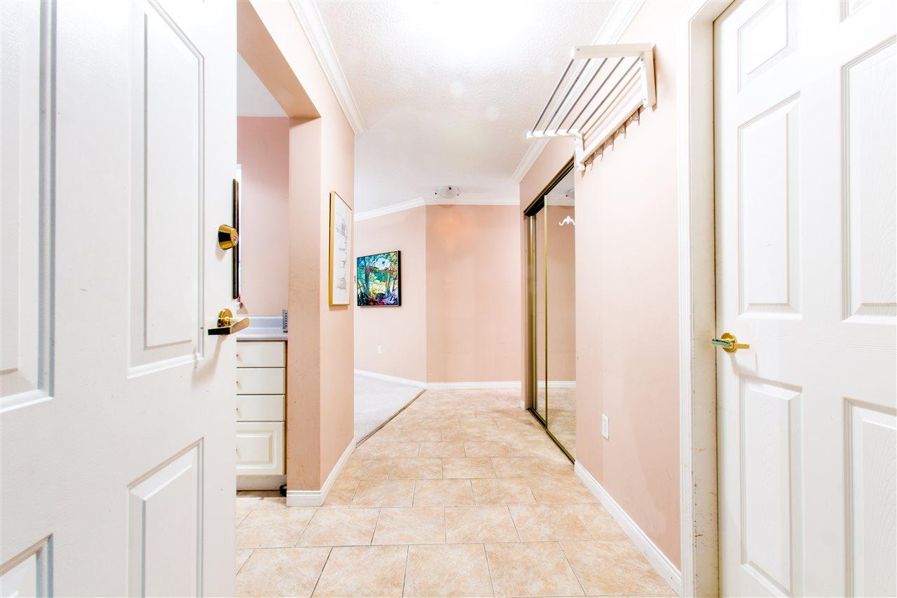 Condo Apartment at 207 2288 W 12TH AVENUE, Unit 207, Vancouver West, British Columbia. Image 4