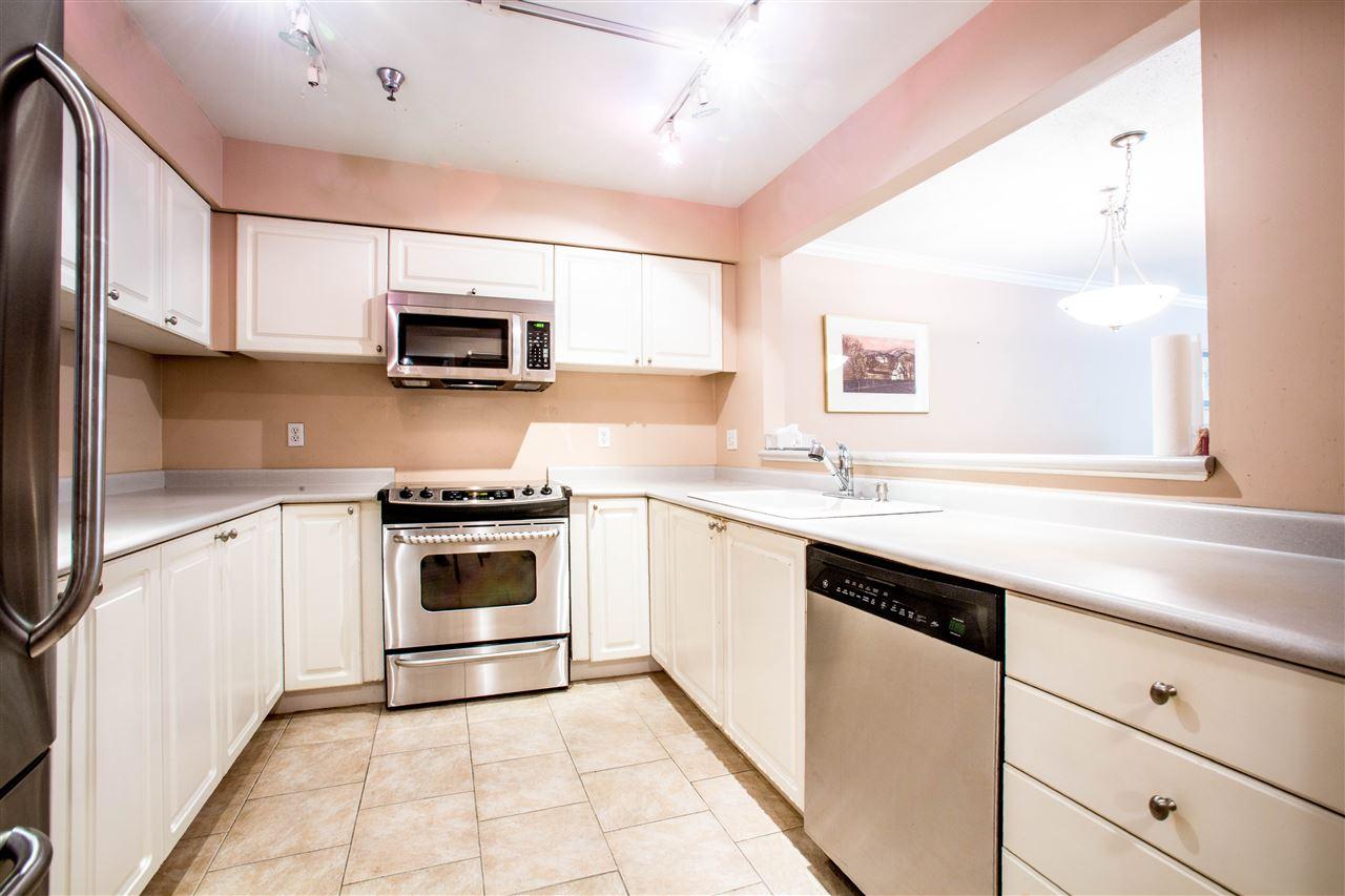 Condo Apartment at 207 2288 W 12TH AVENUE, Unit 207, Vancouver West, British Columbia. Image 6