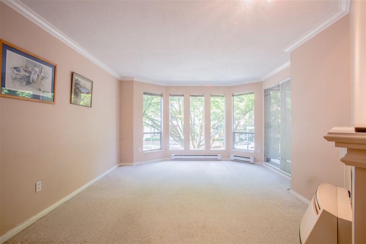 Condo Apartment at 207 2288 W 12TH AVENUE, Unit 207, Vancouver West, British Columbia. Image 9