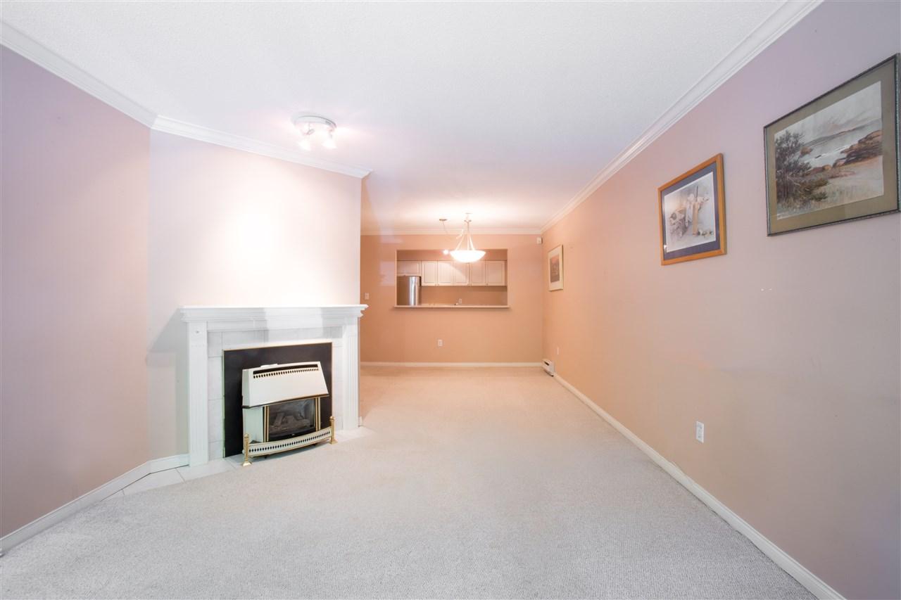 Condo Apartment at 207 2288 W 12TH AVENUE, Unit 207, Vancouver West, British Columbia. Image 10