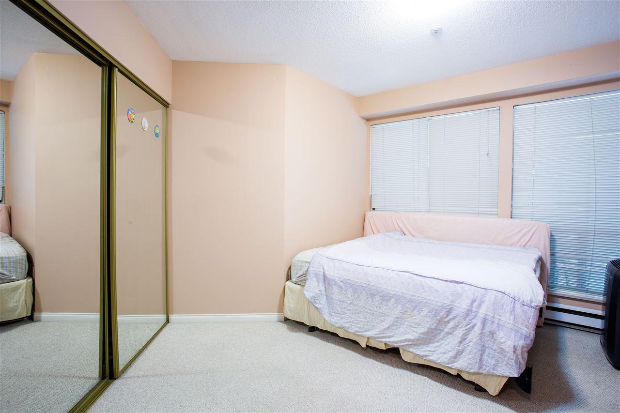 Condo Apartment at 207 2288 W 12TH AVENUE, Unit 207, Vancouver West, British Columbia. Image 16