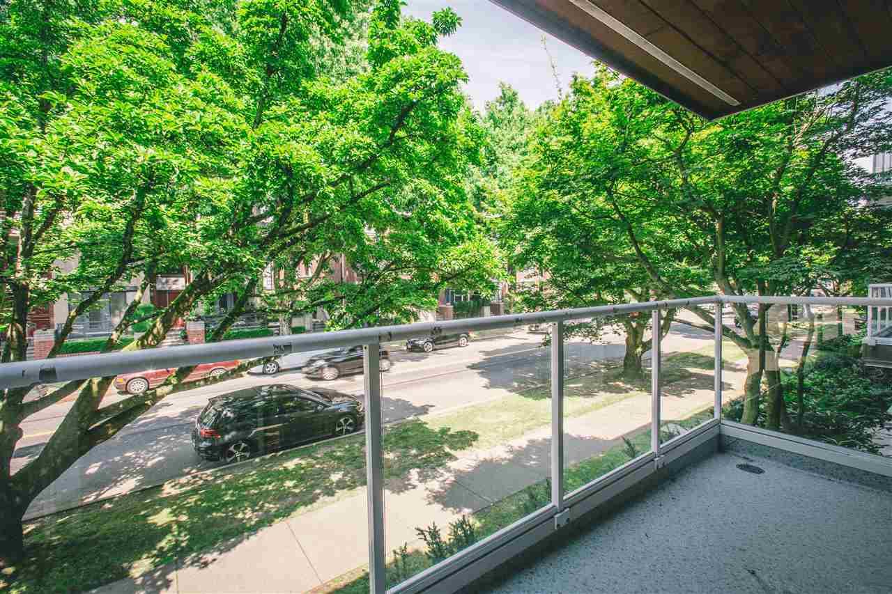 Condo Apartment at 207 2288 W 12TH AVENUE, Unit 207, Vancouver West, British Columbia. Image 19