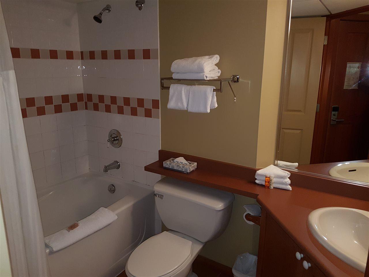 Condo Apartment at 325 4315 NORTHLANDS BOULEVARD, Unit 325, Whistler, British Columbia. Image 5