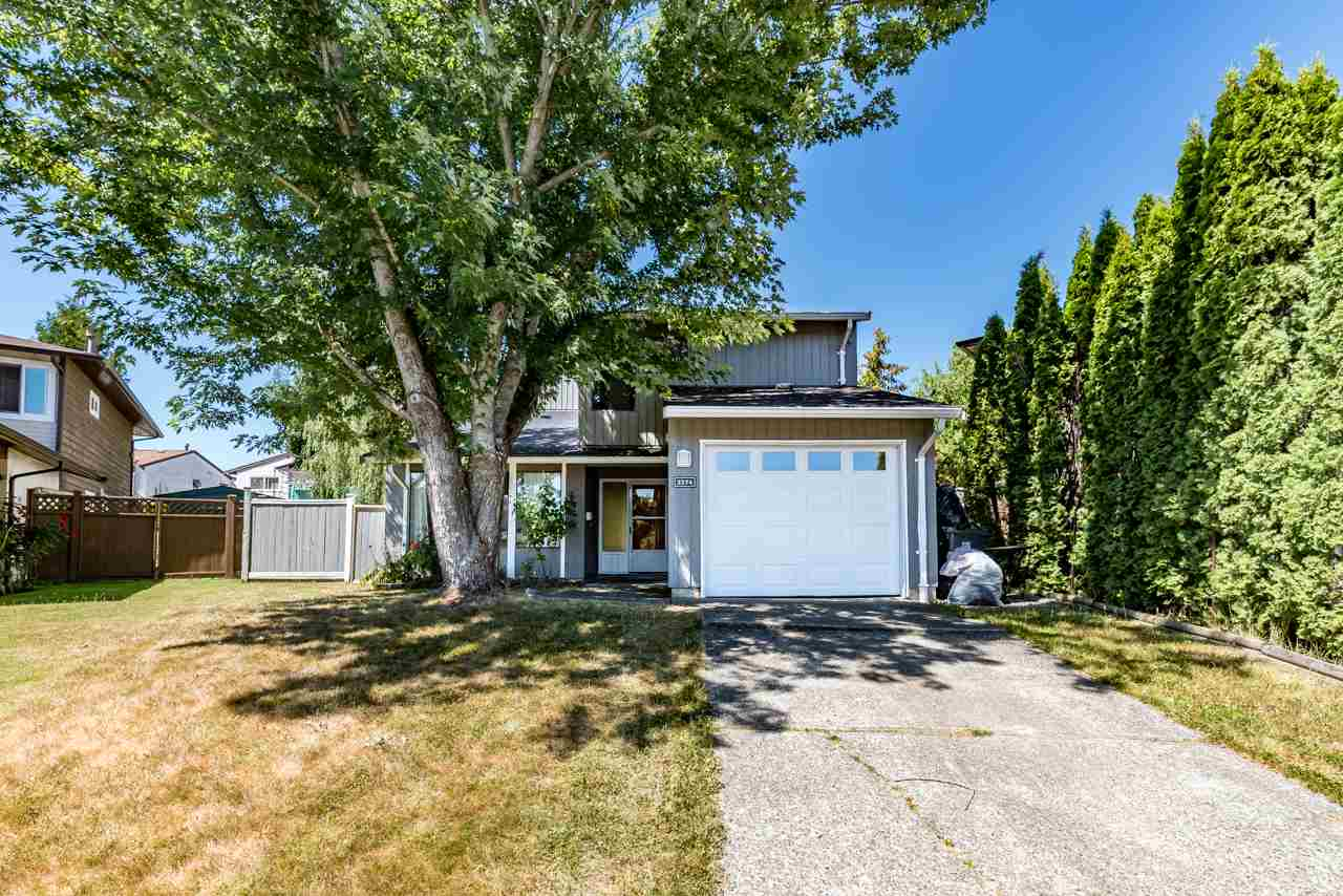 Detached at 2274 WILLOUGHBY COURT, Langley, British Columbia. Image 1